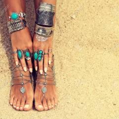 Lo stile che diamo alle mani lo possiamo dare anche ai piedi!
